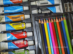 Colors (Photographybyjw) Tags: photographybyjw colors art set water color box tubes pencils