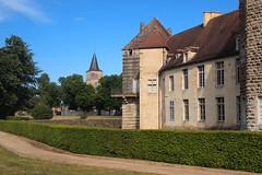 Le village — château d'Époisses, Côtes-d'Or, Bourgogne, juin 2017 (Stéphane Bily) Tags: stéphanebily bourgogne burgundy france époisses château castle castel