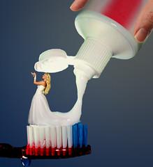 Toothpaste Faestock (jaci XIII) Tags: cremedental faestock mão pessoa mulher escovadedente toothpaste woman hand person toothbrush