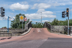 THIS IS KNOWN AS PARK ROAD BRIDGE [LOCATED IN LIMERICK]-130349 (infomatique) Tags: canalbridge modified1960 1800 oldbridge humpbackbridge limerick williammurphy infomatique fotonique canalsofireland parkroadbridge