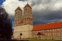 Vessra Abbey (kadege59) Tags: klostervesra museum church kirche clouds wow nikon nikond3300 red rot explore explore20170715 tower twintowers themar hbn fckbzh