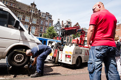 Car removal @ Amsterdam (PaulHoo) Tags: amsterdam city people candid streetphotography 2017 holland netherlands streetcandid fujifilm fuji x70 car removal police fine punishment handhaving