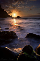 Good night Sun. See you tomorrow. (Beatriz-c) Tags: sunset atardecer oceano ocean mar sea clouds sol sun orange naranja silk seda long exposure larga exposicion canary islands islas canarias rocks rockas water agua surf olas waves nubes