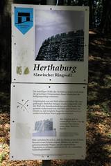 Herthaburg, Info (julia_HalleFotoFan) Tags: rügen inselrügen jasmund nationalparkjasmund königsstuhl viktoriasicht buchenhochwald herthasee halbinseljasmund