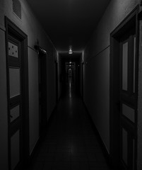Meia-noite / Midnight (VVMesquita) Tags: darkness darkcorridor fear claustrophobia midnight brazil santos brasil ghost lumia1020 1020 lumia nokia1020