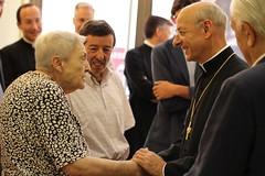 El prelado del Opus Dei en Braval (Opus Dei Communications Office) Tags: preladoopusdei fernandoocáriz braval inmigrantes raval barcelona cohesiónsocial opusdei