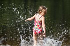 a girl on the beach (VisitLakeland) Tags: vesileppis ranta uida biitsi kesä aurinkoinen luonto järvi beach swim summer finland lakeland lake water fun happy