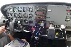 Cockpit Cessna 182S Skylane HB-CZU (roli_b) Tags: cockpit cock pit pilot cessna 182s 182 skylande hbczu july 2017 switzerland suisse schweiz suiza svizzera avion aircraft airplane flugzeug flieger aereo aviacao