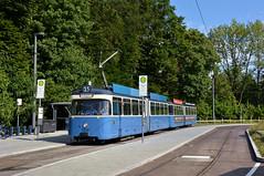 Zurück im Einsatz steht P-Zug 2006/3005 an der Großhesseloher Brücke (Bild: Klaus Werner) (Frederik Buchleitner) Tags: 2006 3005 linie15 munich münchen pwagen strasenbahn streetcar tram trambahn