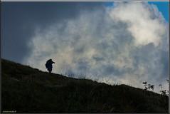 Le chasseur (d'images) chassé (jamesreed68) Tags: photographe altitude montagne nuages grisaille hohneck hautrhin vosges france grandest paysage nature alsace 68 canon eos 600d