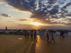 Sunset in Ostende. (ost_jean) Tags: sunset ostende oostende sea zee lamer apple iphone 7 plus ostjean july21 2017 belgie belgica belgium belgique