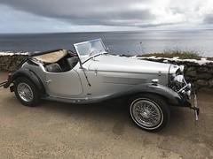 Old timer (Lucie van Dongen) Tags: voitureancienne ancêtre sky colors transportation vintagecar car