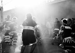 Sombra/luz (Juan Aguilera (JAAG)) Tags: bailes chinos religiosos chile vicuña el durazno