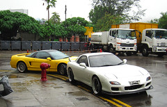 Mazda RX-7 & Honda NSX (rvandermaar) Tags: mazda rx7 honda nsx mazdarx7 hondansx hong kong hongkong
