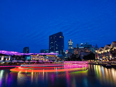 Circular Trails (elenaleong) Tags: bluehour clarkequay singaporeriver boattrails cityatnight riverlights oldwarehouses elenaleong nightscape