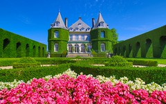 Castle La Hulpe (2) (YᗩSᗰIᘉᗴ HᗴᘉS +6 500 000 thx❀) Tags: château castle solvay lahulpe flowers fleurs bâtiment blue green rose pink belgium wallonie europa europe