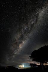 table cape house milky way (Matt Jones (Krasang)) Tags: milkyway tasmania tablecape starrystarrynight longexposure nightphotography stars fuji 23mmf14 xa3 huginstitch