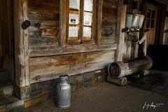 Les Rousses - Jura / IMG_0265 (P Jacque) Tags: jura bidon lait bois eau fontaine franchecomté lesrousses patine patiné campagnard