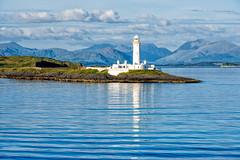 Isle of Mull (Guy Goetzinger) Tags: architektur leuchtturm scotland vereinigteskönigreich gb lighthouse white blue sky isle sea harmony seascape seaside landscape travel tourism pentax goetzinger evening english paysage scenery szene photo scene outdoor