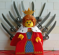 Game of Toys (captain_joe) Tags: macromondays queen toy spielzeug 365toyproject lego series15 minifigure minifig