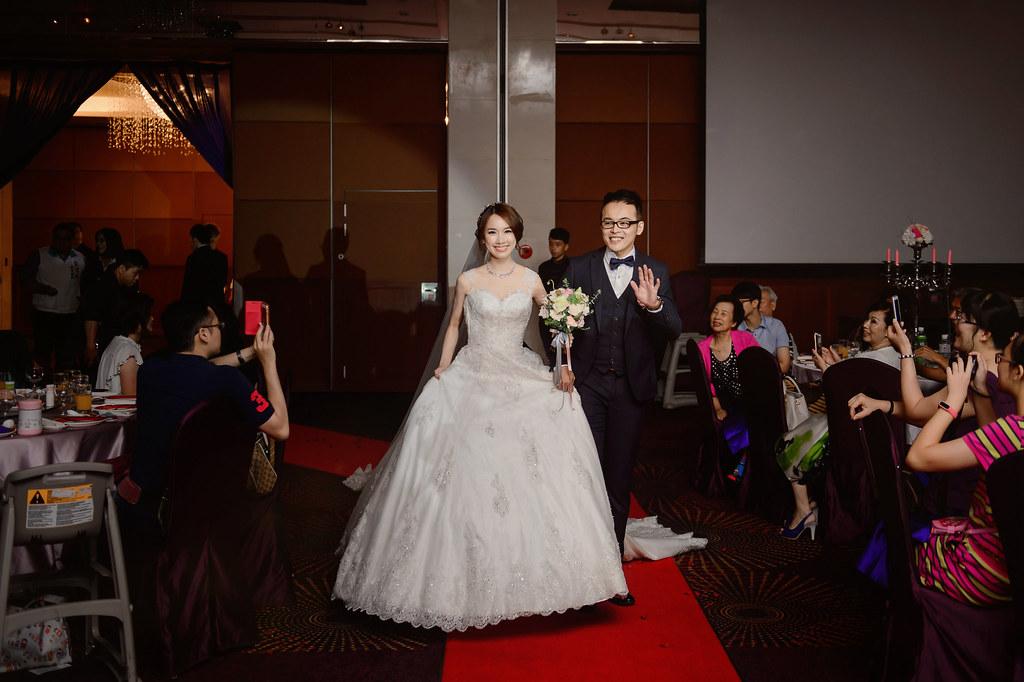 守恆婚攝, 高雄巨蛋, 高雄巨蛋婚宴, 高雄巨蛋婚攝, 高雄漢來婚宴, 高雄漢來婚攝, 婚禮攝影, 婚攝, 婚攝小寶團隊, 婚攝推薦-23