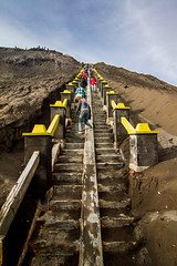 Bromo, Indonesia (pas le matin) Tags: travel bromo volcano voyage lansscape paysage stairs escalier cratère crater asia asie indonésie indonesia canon 7d canon7d canoneos7d eos7d perspective