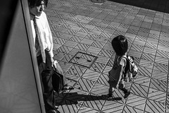 _DSF3489_ORIGINAL-FORMAT (izumi masakazu) Tags: bw streetsnap tokyo light shadow worker laborer girl station city urban town goingtoschool commuting bag bagpack movement motion activity 東京 影 光 少女 女の子 駅 市街 通学 通勤