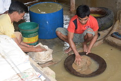 Workers in small-scale gold mines in Camarines Norte (ILO in Asia and the Pacific) Tags: childlabour decentwork philippines mining povertyreduction everydaylifeandfamily localeconomicandruraldevelopment safetyandhealth educationskillsandtraining employment workingconditions