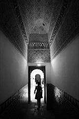 (cherco) Tags: woman blackandwhite blancoynegro solitario solitary silhouette shadow sombra light luz backlighting arch art door sevilla lonely 5d canon