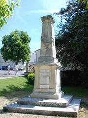 79-Périgné (jefrpy) Tags: guerrede1418 warmemorial ww1 poitou psaget 79deuxsevres france monumentauxmorts