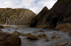 Lulworth Cove (Explore 25/07/17 #295) (Sarah Marston) Tags: lulworth lulworthcove sea rocks dorset sony ilce6300 july 2017