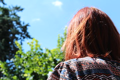 Red-haired thinker (Lore Fez) Tags: red green canon eos 1300d girl girlfriend mode redhair thinker modello modella capelli rossi