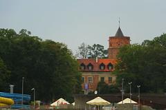Uniejów - Zamek Arcybiskupów Gnieźnieńskich (Marek_galeria) Tags: uniejów basen canon las river canon700d termy zamek castle