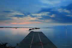 藍調六塊厝 (Lavender0302) Tags: 夕陽 六塊厝 屯山 淡水 新北市 台灣 taiwan sunset bluehour