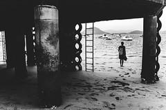 (LaespiraldeJosephK) Tags: cantabria laredo bw blancoynegro blackandwhite beach playa sea mar