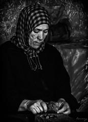 Poc a poc (ancoay) Tags: aceite oli oil retrato portrait bw blackwhite canon600d ancoay argan