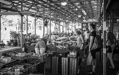 Peachy (Theunis Viljoen LRPS) Tags: krakow market placnastawach poland