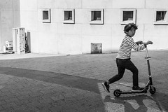 (Sean Declerck) Tags: brussel bxl summer step kid bw blackandwhite brussels lines