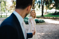 Hand in Hand! (Florian Gunzer) Tags: wedding weddingphotographer weddingdress weddingphotography wörthersee wedding2017 hochzeit hochzeitsfotografie hochzeitsfotograf hochzeitkärnten hochzeitskleid vsco love emotion bride groom smile eyes klagenfurt park nature handinhand sun sonne photoshoot blonde