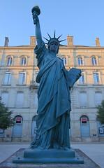 Statue de la LIberté - Bordeaux (hervétherry) Tags: france aquitaine gironde bordeaux placepicard canon eos 7d efs 1022 statue liberté statuedelaliberté