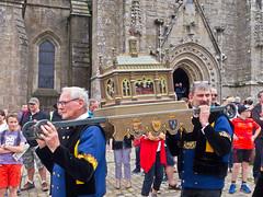 Troménie # 2 (schreibtnix on 'n off) Tags: reisen travelling europa europe frankreich france bretagne brittany breizh locronon prozession procession troménie olympuse5 schreibtnix