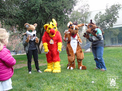DSC00175 (Thanriu) Tags: fursuit chile meet junta furry santiago friends amigos canid monster avian ave canino monstruo badge angel dragon parrot artic wolf yerik dog