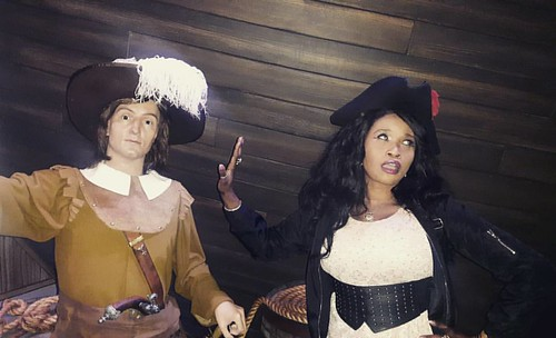"""""""Look India is here"""" ...Me """"Ya right talk to my hand"""" ...At the #museegrevin 😀😀 #waxmuseum  #waxstatue"""