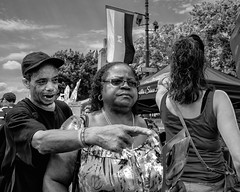 Benjamin Franklin Parkway, 2017 (Alan Barr) Tags: benjaminfranklinbridge group philadelphia 2017 street sp streetphotography streetphoto blackandwhite bw blackwhite mono monochrome candid city people panasonic lumix gx7