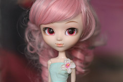 Pullip Rche, finally (Virvatulia) Tags: pullip groove rche pulliprche ruhe loussier rewigged pink wig red eyes eyechips flower pretty beautiful doll portrait toy