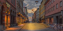 Stars, bikes and balloons. (LDLS17) Tags: street crepusculo sunset estocolmo stockholm