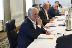Premier/premier ministre Couillard at the beginning of the meeting/au début de la rencontre