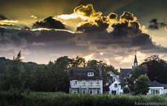 Warmond Village (fransvansteijn) Tags: rood