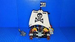6261 Raft Raiders (Mana Montana) Tags: lego toys minifigures pirates musket saber 6261 raftraiders sail skull crossbones castaways