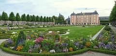 Schwetzingen Schloss (wernerfunk) Tags: castle badenwürttemberg park blumen
